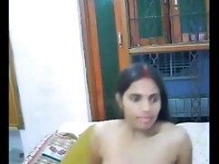 प्यारी वेबकैम पर सेक्सी हॉट मूवी वीडियो प्रेमी को मारती है