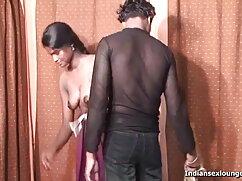 सेक्सी स्तनपान कराने वाली
