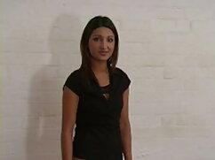 Femdom एचडी सेक्सी हिंदी मूवी Strapon - अपने बॉस के लिए झुकें